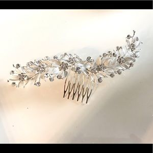 Accessories - Silver bridal hair comb with rhinestone gems